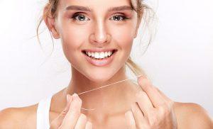 Hilo dental: aprende a usar la seda dental