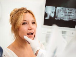 Abrasión dental: ¿qué es y cuál es su tratamiento?